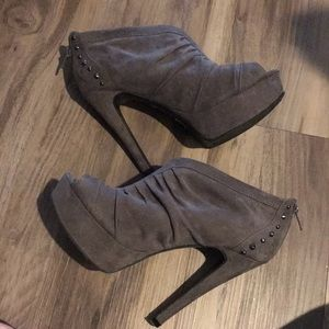 G by Guess open toe booties 6.5